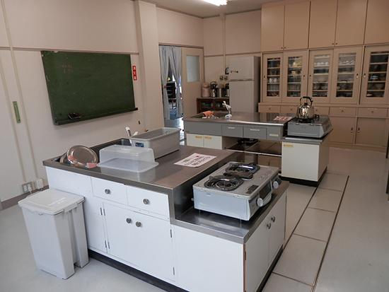 講習室(調理室)